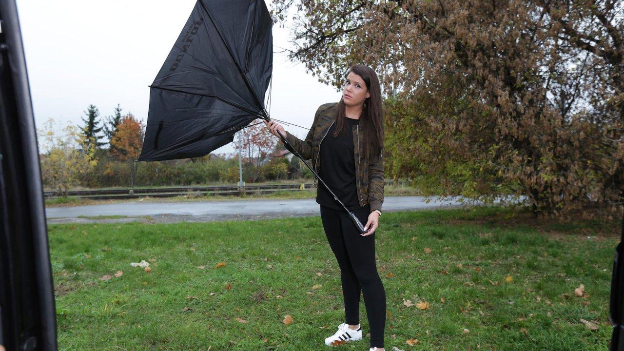 Broken umbrella rescue team